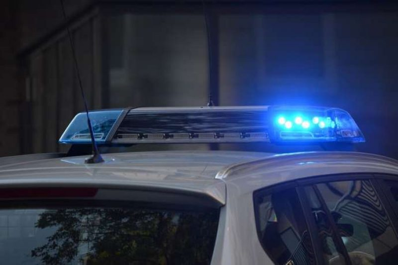 18-годишен прелетя с колата си над покрив и кацна на друг