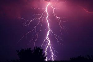Свирепата буря остави без покрив семейство от Югозападна България (ВИДЕО)