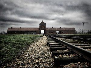 10 БРУТАЛНИ истини за лагера на смъртта – Аушвиц