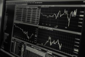 Read more about the article Драстичен спад на световните борси – идва ли рецесия?
