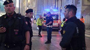 Джихадист заби ножица във врата на войник в Милано