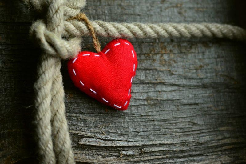 Намисли си число от 1 до 10 и виж любовния си късмет за април