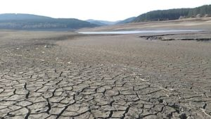 Двама министри загазиха заради водната криза в Перник