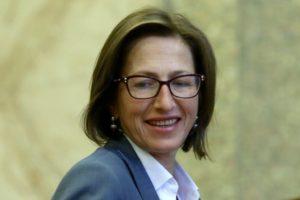Членка на ВСС се оплака, че Гешев я заплашвал