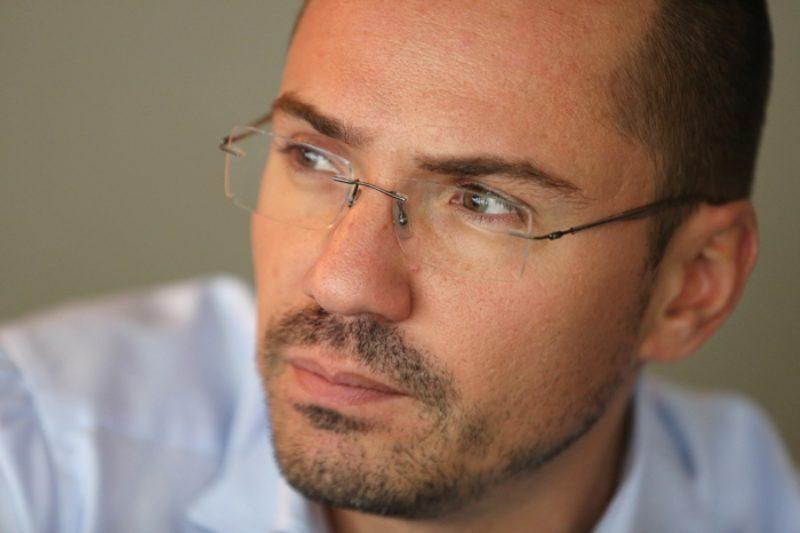 Ангел Джамбазки пред Bulletin.bg: Гетата са бомба със закъснител в условията на пандемия