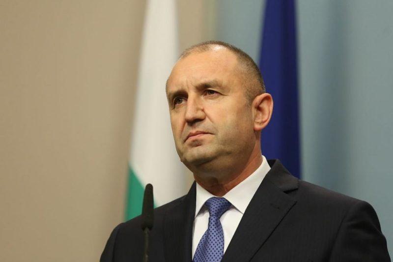 Президентството отрича Радев да е контактувал със заразен с коронавирус