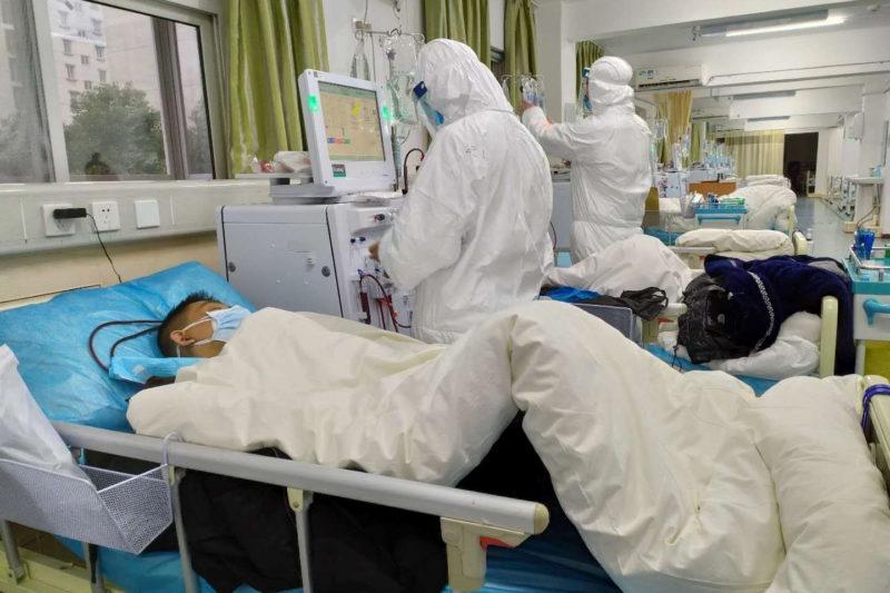 Трима души в болница в Хасково със съмнения за коронавирус
