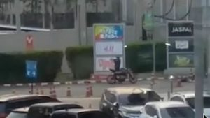 Войник разстреля 12 души и взе 16 заложници (ВИДЕО)
