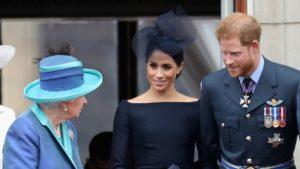 """Хари и Меган """"на нож"""" с Елизабет II"""