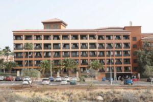 Още трима души в хотела в Тенерифе са болни от коронавирус