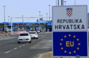 Десетки българи са блокирани на сръбско-хърватската граница заради вируса