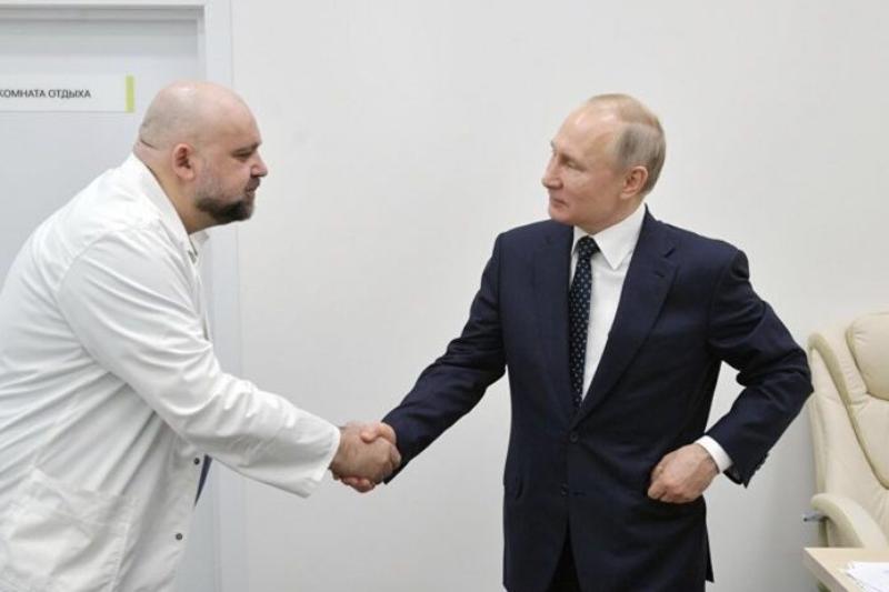 Докторът, завел Путин при болни, се оказа заразен с коронавирус