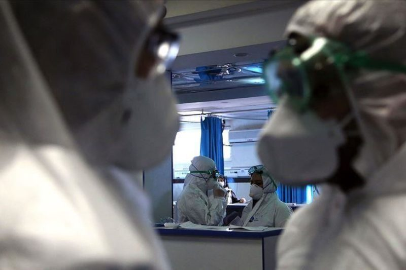 Броят на заразените с коронавирус у нас достигна 1300