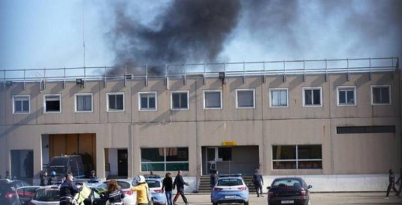 Бунт в затвор заради коронавируса в Италия доведе до убийства (ВИДЕО)