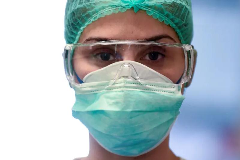 Лекарка от Добрич почина от COVID-19 след 11 дни на апаратно дишане