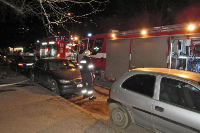 Пожар изпепели дома на семейство с 4 деца в Русе (СНИМКИ)