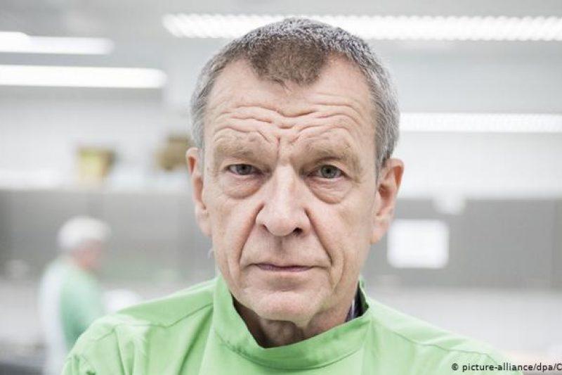 """Германски лекар: """"Вирус-убиец? Живейте си живота!"""""""