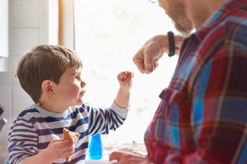 Трогателните съвети на едно дете към неговите родители – №17 ще ви изуми