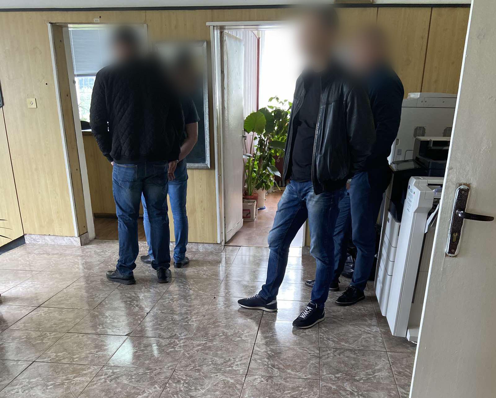 """Ето как задържаха корумпираните полицаи на ГКПП """"Калотина"""" (ВИДЕО+СНИМКИ)"""