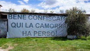 В Италия мафията купува хората на безценица
