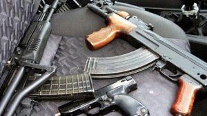 Цял арсенал незаконни пушки, пистолети и патрони откриха у мъж в Хисаря