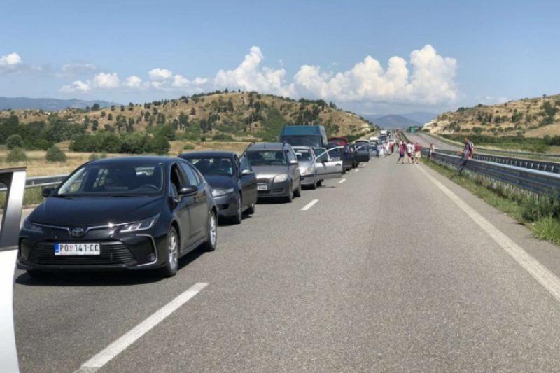 Българите на щурм към гръцките острови – километрични задръствания