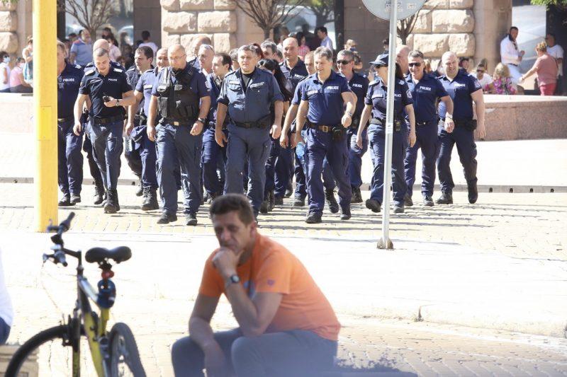 Ранени полицаи: До последно опитвахме да не прилагаме насилие (ВИДЕО)