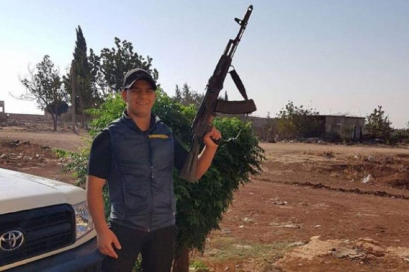 Обвиниха български сириец в тероризъм заради кадър с оръжие в Сирия (СНИМКИ)