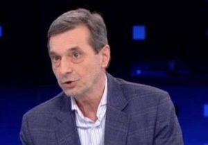 """""""Политици с малък ресурс и мазни ръчички"""": Председателят на """"Подкрепа"""" за протестите"""