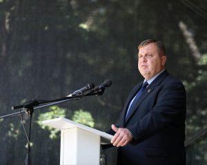 Каракачанов: Казармата е път за връщане на достойноството на военнослужещите