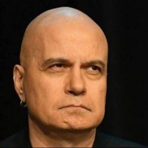 """""""Да излезе Слави Трифонов на сцената на политиката, е все едно някой да играе кючек в театър """"Ла Скала"""""""