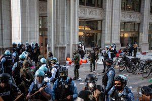 Read more about the article Плячкосване стрелба и сблъсъци в Чикаго – без ясна причина (ВИДЕО)