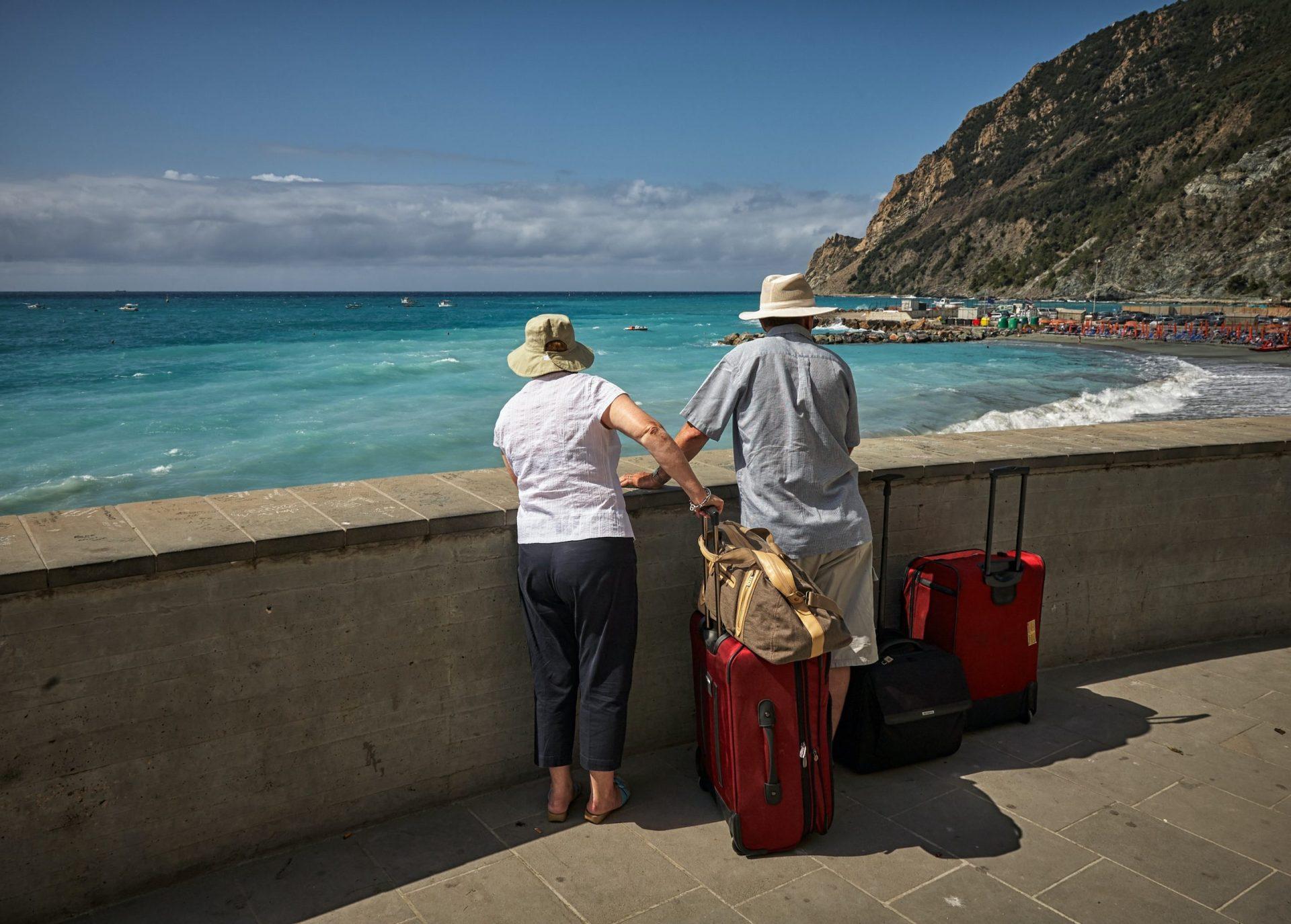 Борба на живот и смърт за туристи вся напрежение в Европа