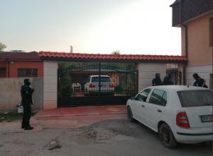 Read more about the article Арести в ромския квартал на Кюстендил