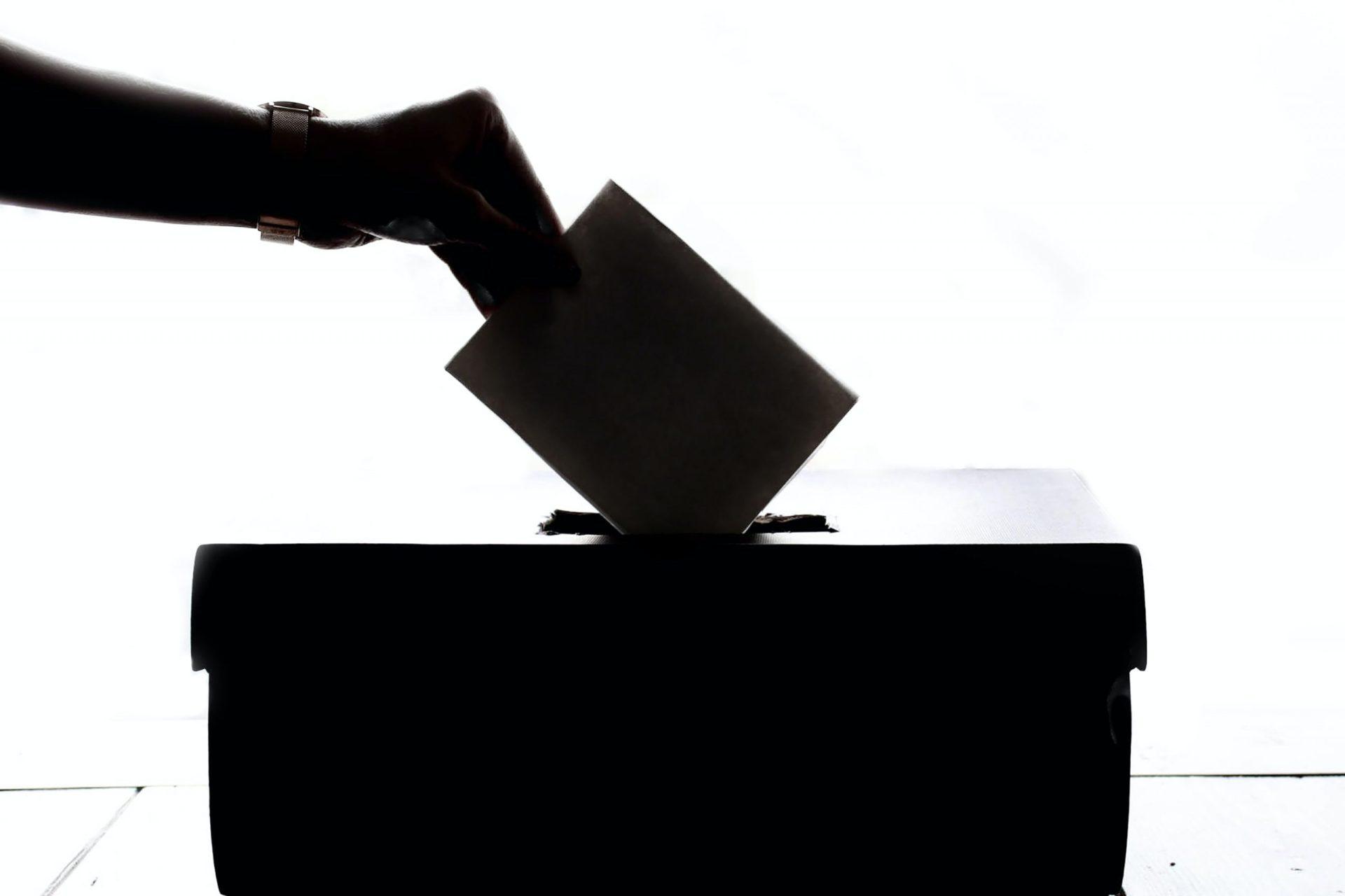 You are currently viewing ОКОНЧАТЕЛНО: Сами решаваме дали ще гласуваме с машина или с хартия