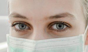 Над 100 заразени медици в русенска болница, останалите изнемогват
