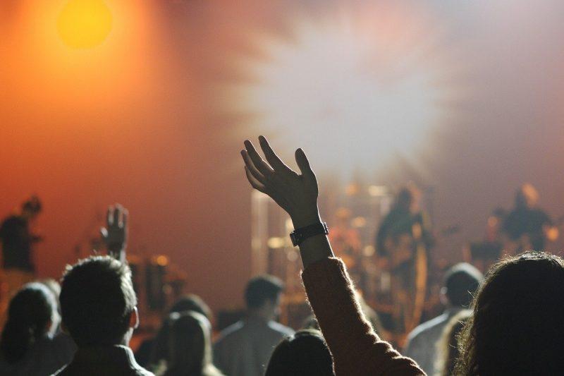 Заведения и дискотеки обявиха бойкот на мерките – останаха отворени и след вечерния час