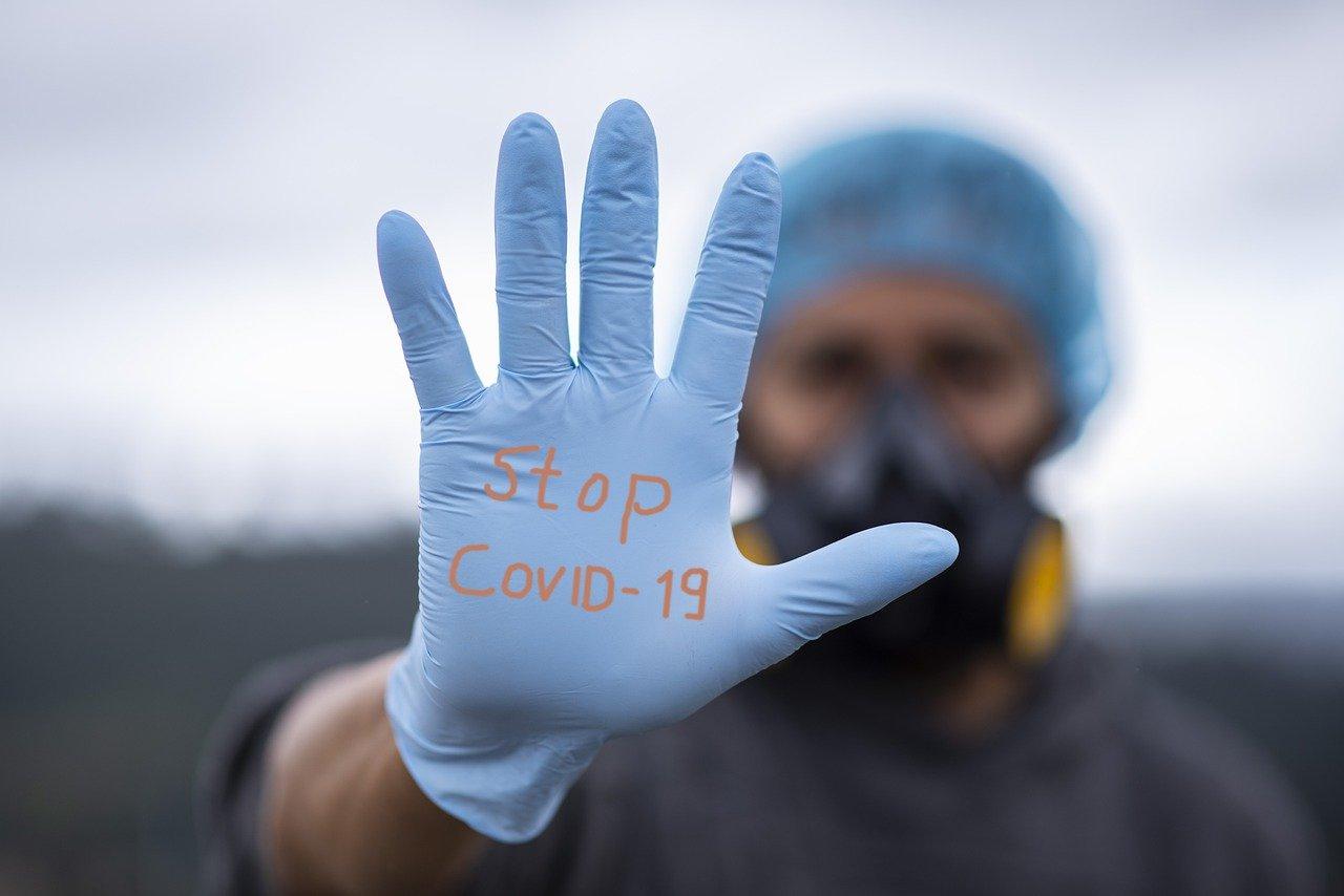 НОВИ СТРОГИ МЕРКИ: Новият щам на коронавируса във Великобритания се разпространява много по-бързо