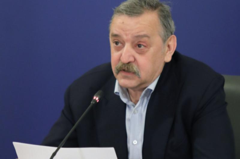 Проф. Кантарджиев: Нощните заведения са най-рискови за заразата