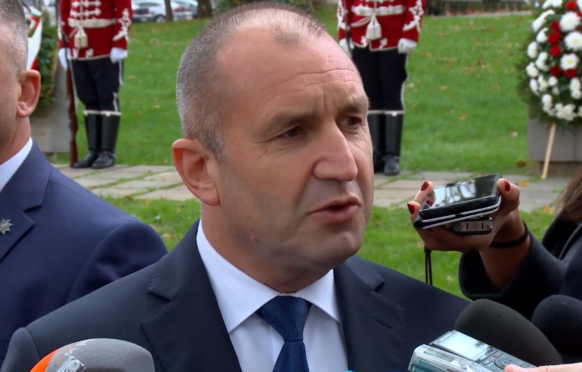 Радев призова: Партиите да не се нападат, България трябва да има редовно правителство