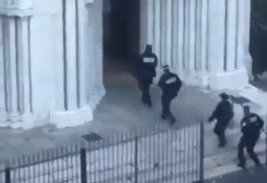ТЕРОР ВЪВ ФРАНЦИЯ: Джихадист уби трима в църква, последваха още две нападения (ВИДЕО)
