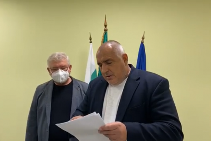 Борисов отиде в Родопите да се радва на аплодисменти и похвали: Не хвърлям пари от джипката