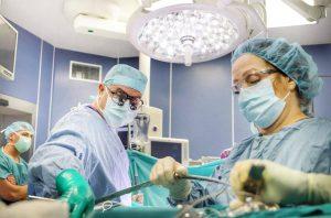 """Read more about the article В битка за един детски живот: Екипи на ВМА и """"Пирогов"""" спасиха 11-месечно бебе с рядък тумор"""