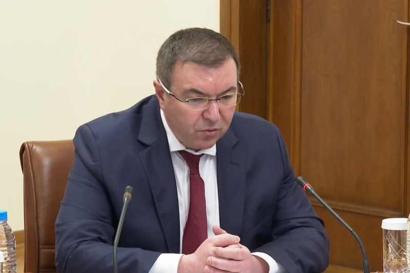 Министър Ангелов: Можеше до месец и половина да поставим епидемията под контрол