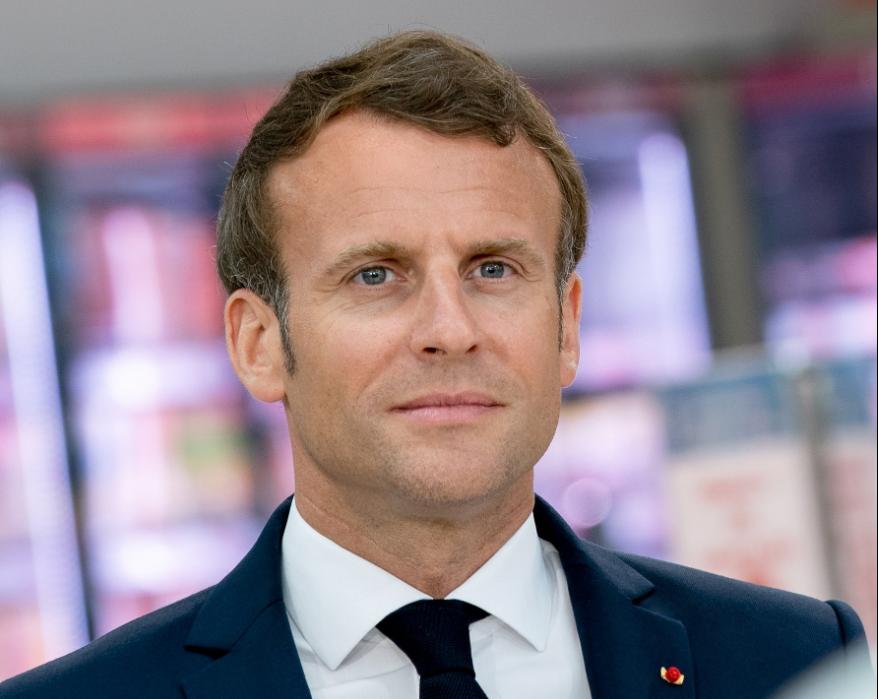Кой удари шамар на френския президент Еманюел Макрон? (ВИДЕО+СНИМКИ)