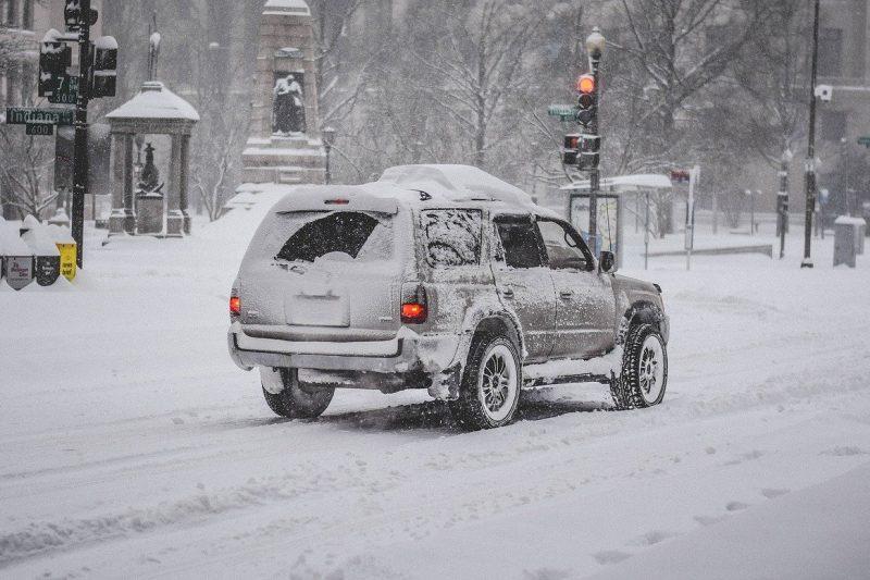 """""""Всеки ден на пътя загива по един човек"""": Пътна полиция с апел за внимателно каране в снежното време"""