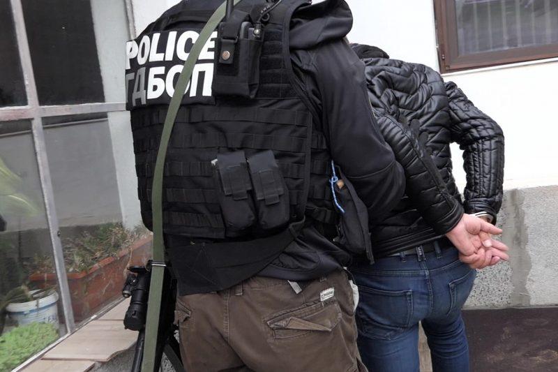 Петима членове на група за финансови измами за над 30 млн. евро са задържани у нас