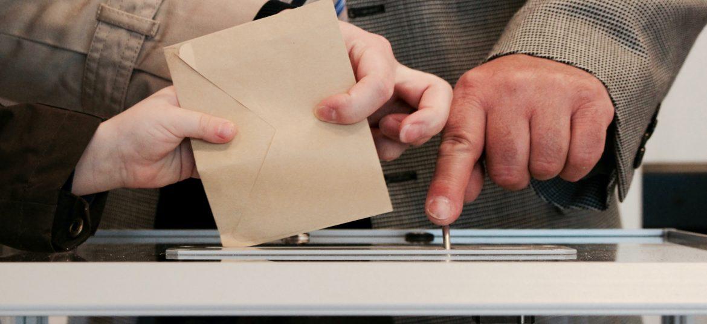 чужбина, гласуване, българи, избори, пощата