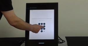 ЦИК с експеримент: 75 избиратели гласуват за час с машина