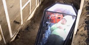 Read more about the article Известен влогър се погреба за два дни, изровиха го с фадрома (ВИДЕО)